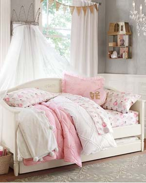 Girls Quilts & Girls Comforters