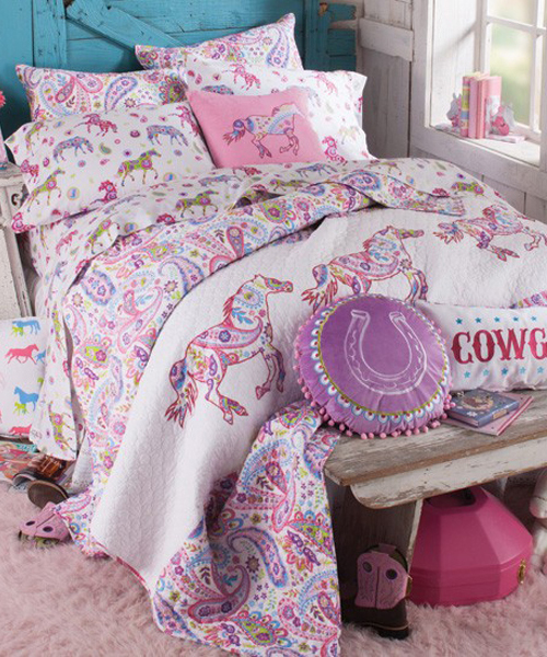 We have everything you need to outfit your bedroom to reflect your western, southwestern or rustic / farmhouse style. Choose from western inspired quilts, comforters, full bedroom sets, sheets, window coverings and all the accessories to make your room reflect your inner cowgirl and cowboy.