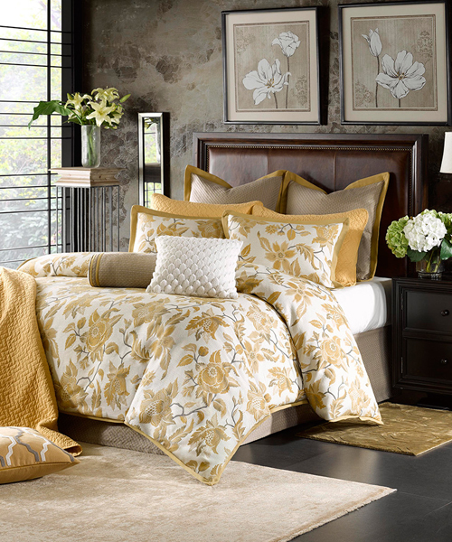 Hampton Hill Marcella Floral Comforter Set
